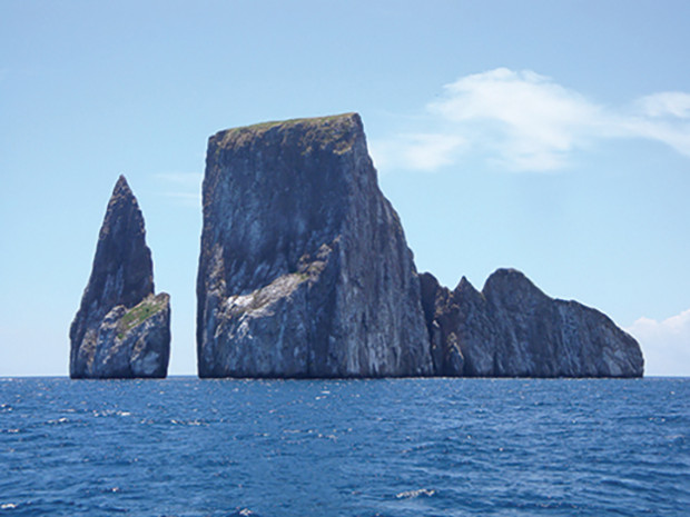 Sailing past Kicker Rock north of san Cristobal