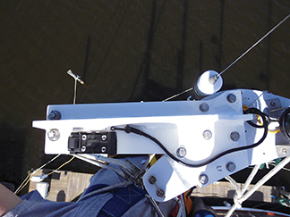 New mast top plate for code zero head