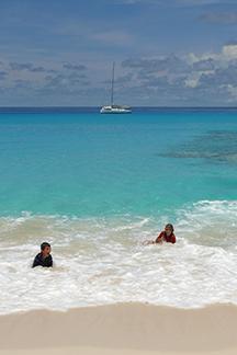 Children playing in Bay of PLenty 431