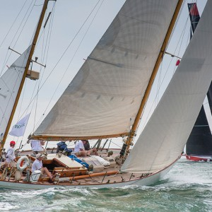 DORADE, 16 16, Owner / Skipper: Matt Brooks, Design: S&S 52 Yawl, Class: IRC 3 COMANCHE, Sail Number: USA 12358, Owner/Skipper: Jim & Kristy Hinze Clark, Class: CK, Yacht Type: VPLP/Verdier 100 Super Maxi, Homeport: West Palm Beach   START