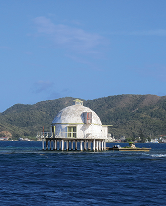 Hurricane proofed cement domed house