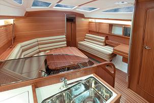 Delphia 40 cabin salon