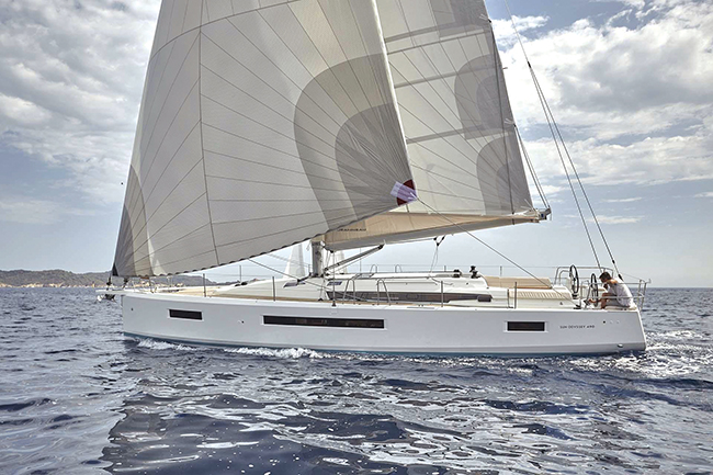 Jeanneau Sun Odyssey 490 Blue Water Sailing