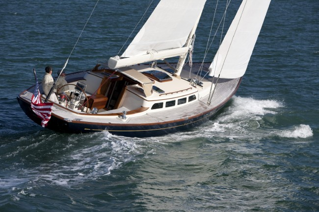 Morris 52 | Cruising Compass