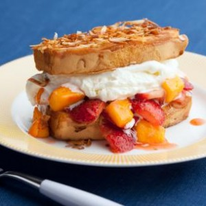 strawberry-mango-pound-cake-shortcake_s