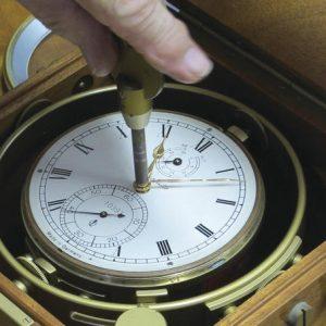 Prac133_p1b_-Glashutte-2-day-Cronometer-adjusting-w-rathet-key5