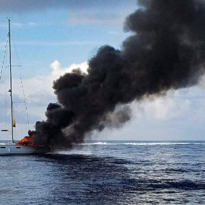 sfl-dramatic-images-of-sailboat-on-fire-off-ha-001