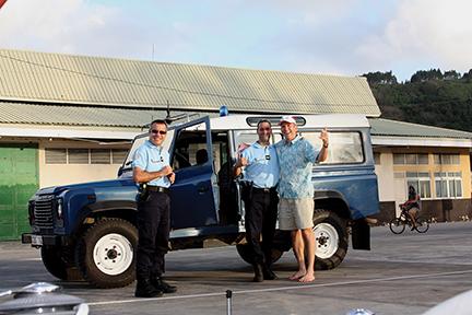 John and the gendarmes