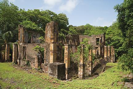 Ruins of nuns quarters in Ile Royal
