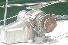 The wheel on this windlass operates the brake for free fall down control. Good system.