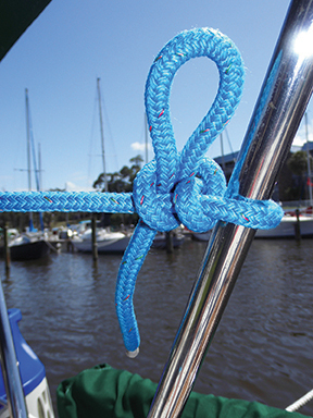 Double half hitch with quick release loop
