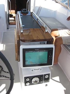 catalina-425-cockpit