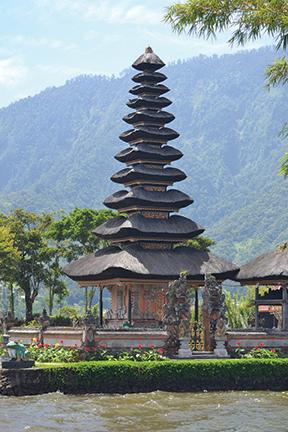 Tiered roof at the Hindu temple, Lake Beratan, Bali