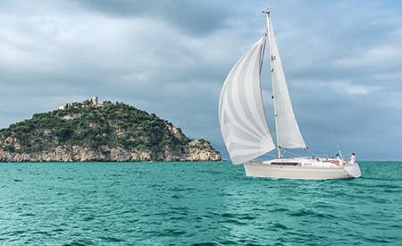 Pocket Cruisers That Sail Far | Blue Water Sailing