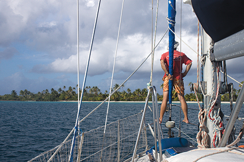 Dodging coral heads on the way into the anchorage on Fakarava