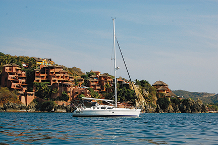 Groovy in the municipal anchorage at Zihuatanejo
