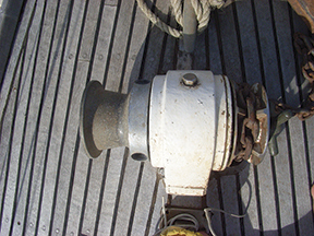 The old manual Vetus horizontal windlass that took more muscle power than my wife could muster