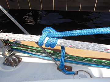 Rolling Hitch releasing tension on jib sheet